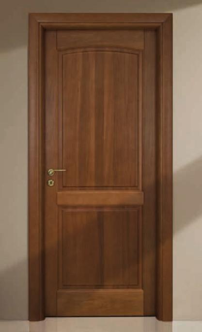 Porta per interni in legno   noce