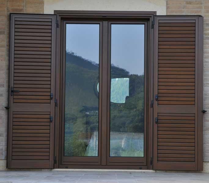 Porte finestre in legno prezzi excellent scorrevole in - Maniglie finestre prezzi ...