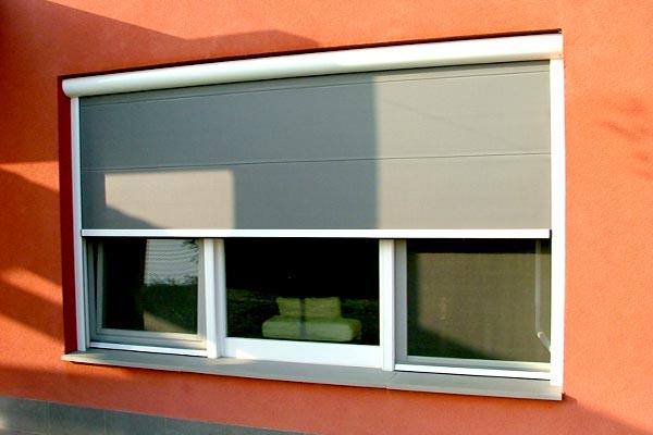 SISTEMI di OSCURAGGIO   tenda oscurante per finestre