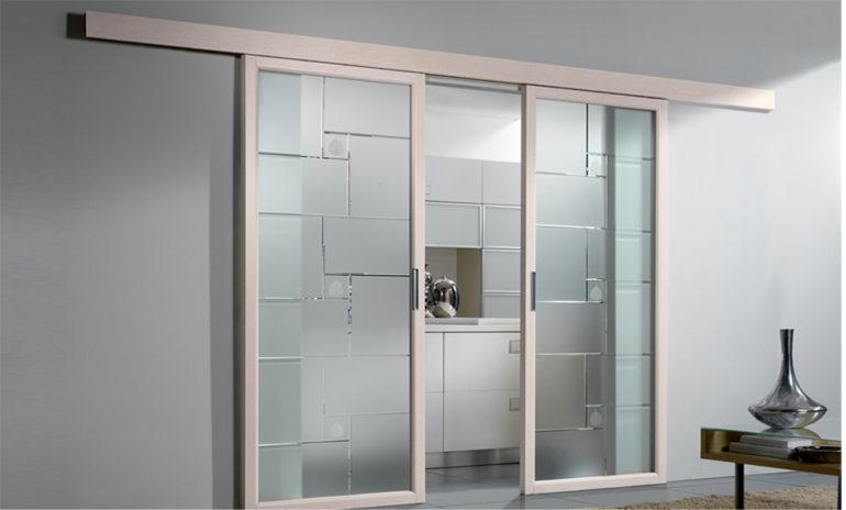 Porta interna in laminato| bianco con vetri e scorrevole